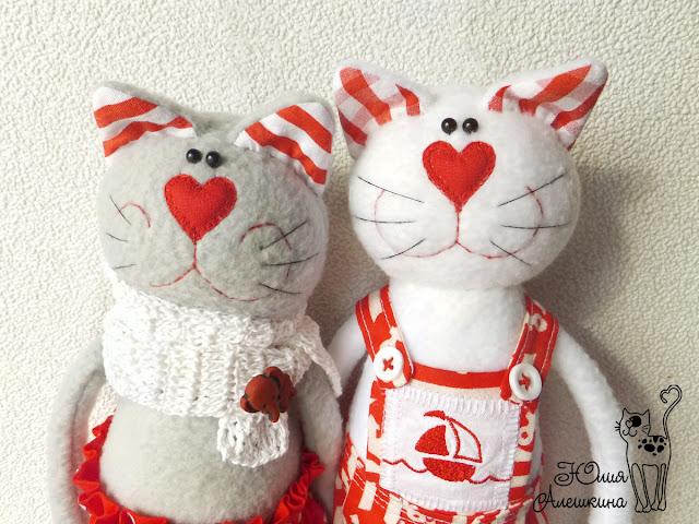 Котики в красном