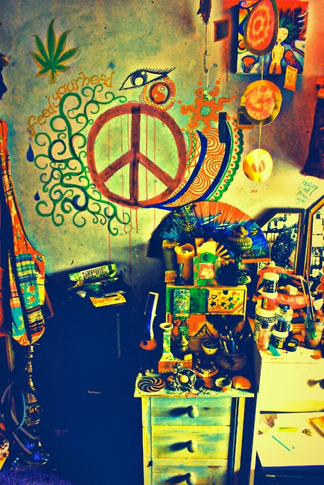 hippies colorful bedrooms