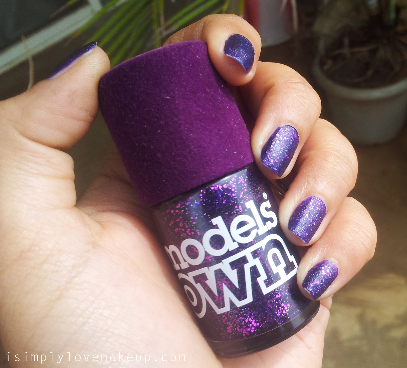 REVIEW: Models Own Glitter Nail Polish in Amethyst