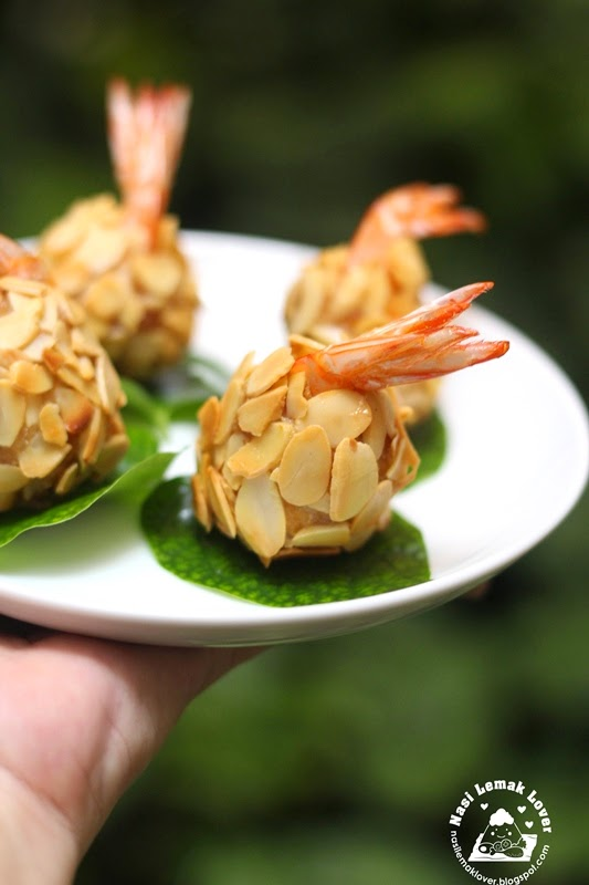 Nasi Lemak Lover: Deep Fried Almond Prawns 香酥杏仁虾