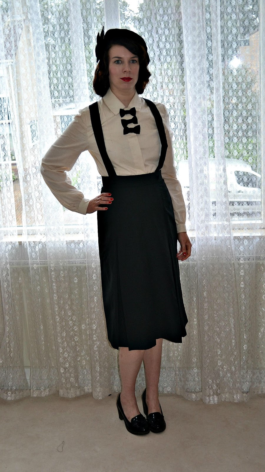 Mrs Depew 1028 beret, Lutterloh 31 and slef drafted suspender skirt made by Anthea
