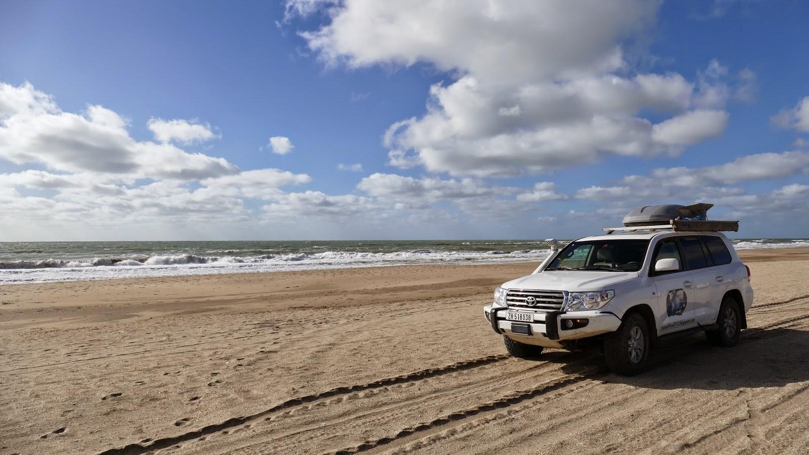 Mit dem Geländewagen am Strand - in Argentinien legal - Panamericana 2015