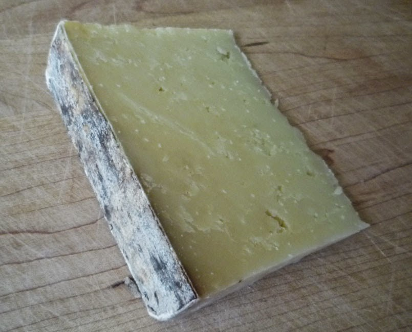 Taliah - Sheep-milk cheddar