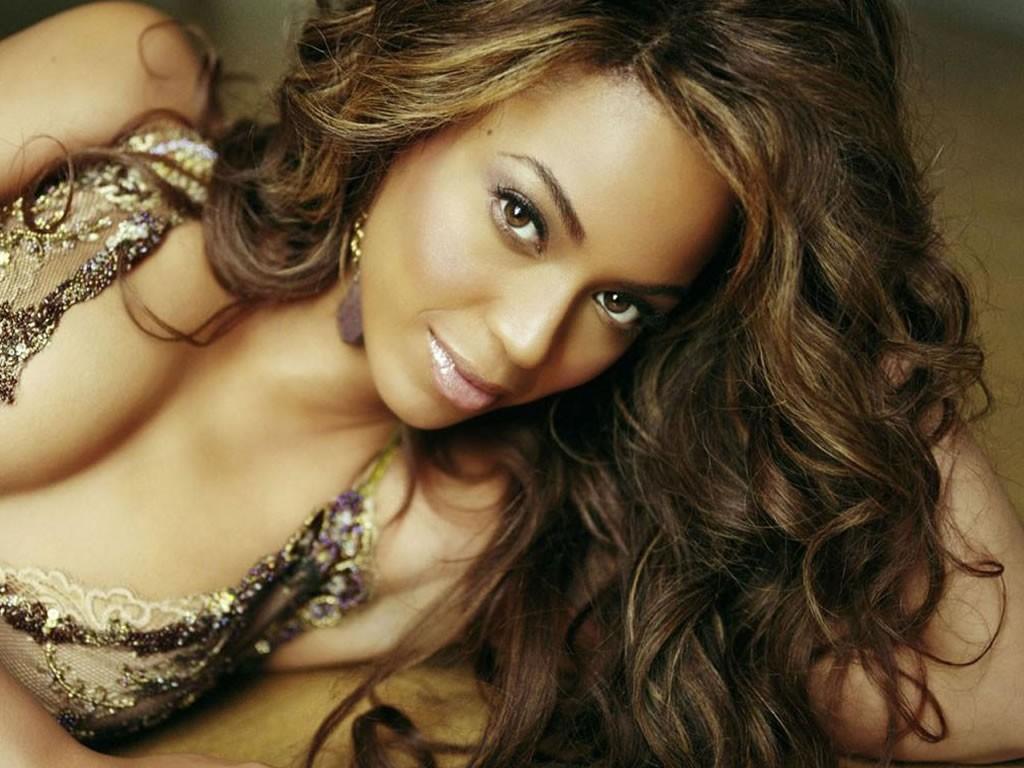 http://1.bp.blogspot.com/-ExMD1XwW9mM/TxV67aK8KAI/AAAAAAAABSA/0L5i6jFetZE/s1600/Beyonce-Knowles-New-Wallpapers.jpg