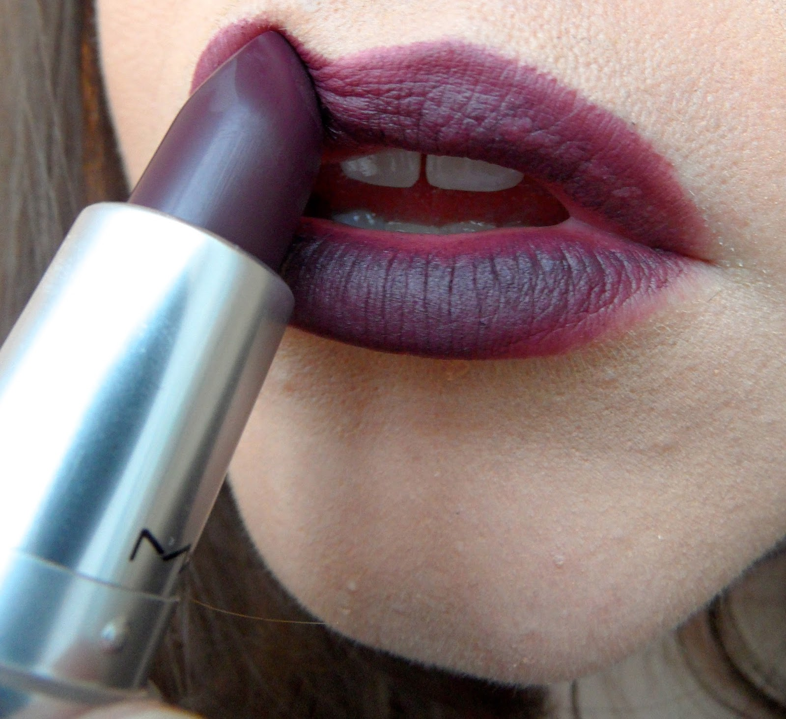 Connu Kick Arse Red Lips: Would You Wear MAC's Smoked Purple Lipstick? ZU51