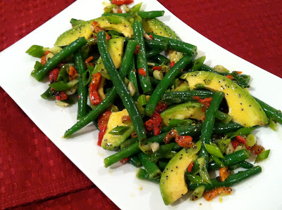 healthy and delicious green bean avocado salad with poppyseed lime vinaigrette @ SouthernSpoon blog