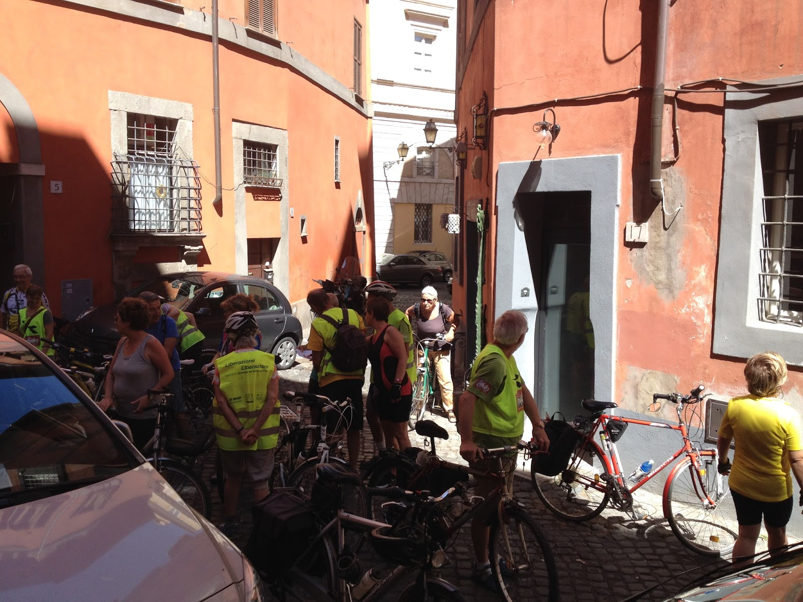 In bici per roma sorprendenti i record di roma for Piccola casa efficiente