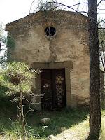 Façana principal de Sant Pere de les Cigales