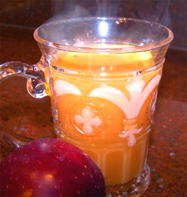 Winter Wassail: A classic Christmas alcoholic drink made with cider and gin served warm in a glass, with instructions for a non-alcoholic version