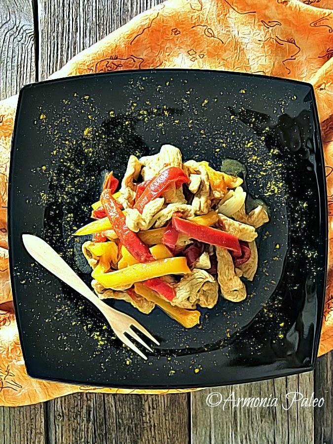 Straccetti di Tacchino con Peperoni al Curry di Armonia Paleo