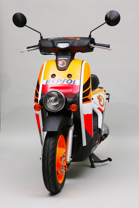 Repsol Honda EV-neo Electric Scooter Front View