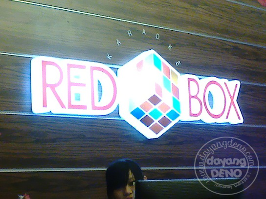 Bersantai Di Red Box