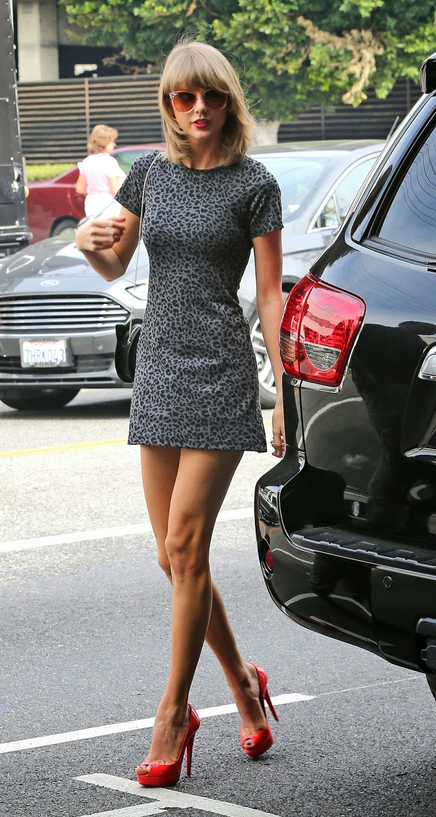 Singer-Songwriter, Actress, Fashion Model @ Taylor Swift in Mini Dress - Out for Lunch in Los Angeles