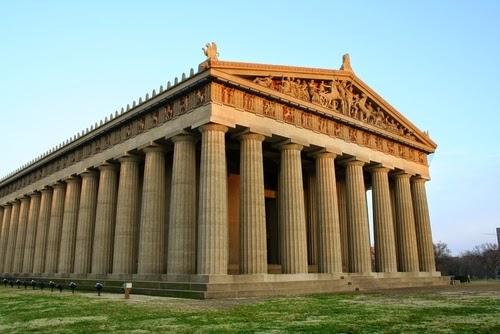Un paso por la historia de la arquitectura edificios for Arquitectura griega templos