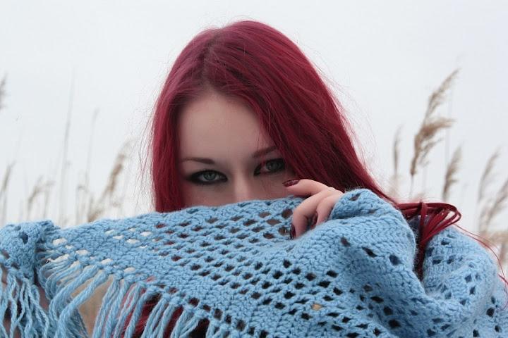 Рыжая красноволосая в ванной фото