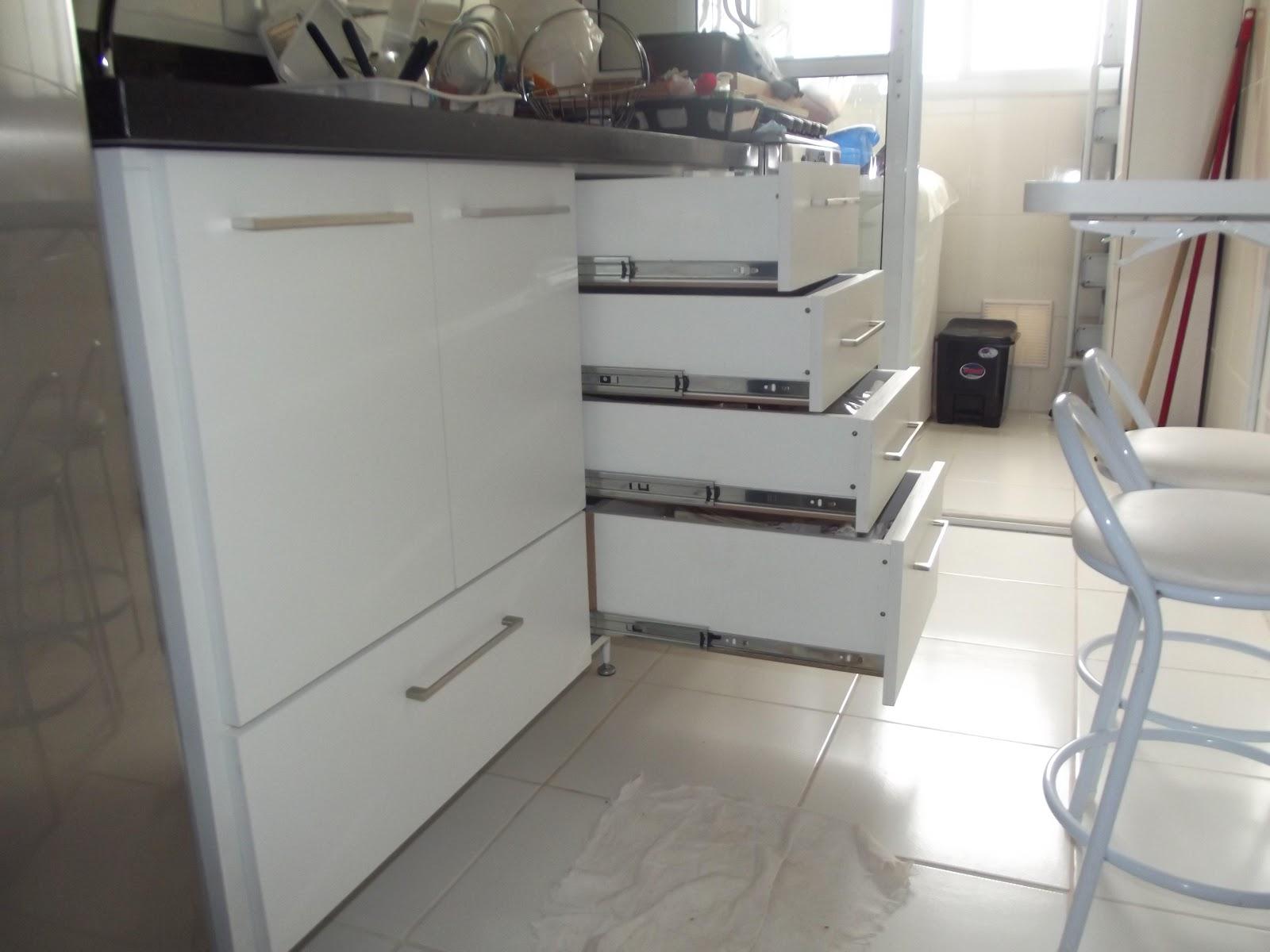 PROJETOS EM MADEIRA MACIÇA E MOVEIS SOB MEDIDA: Cozinha Banheiro e  #586673 1600 1200
