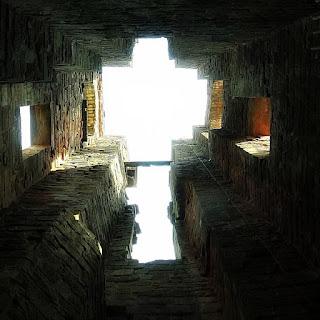 Vista do interior da torre da Igreja de São Miguel Arcanjo, em São Miguel das Missões (RS). Ruínas de São Miguel.