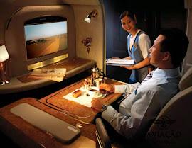 Para conferir o interior de um A380 da Emirates