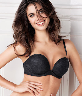 HOT or NOT: Sara Sampaio interview