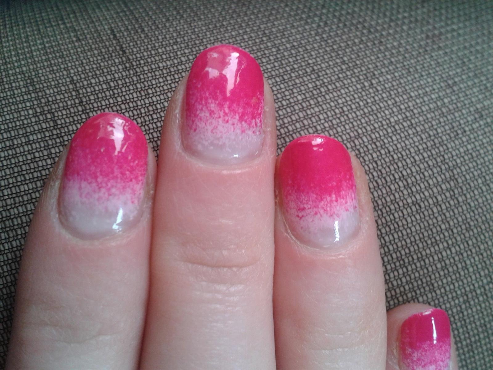 http://1.bp.blogspot.com/-EzHF4naEaFU/T56jc4UkwOI/AAAAAAAAAhk/VWRZHFjx9hk/s1600/nails+2.jpg