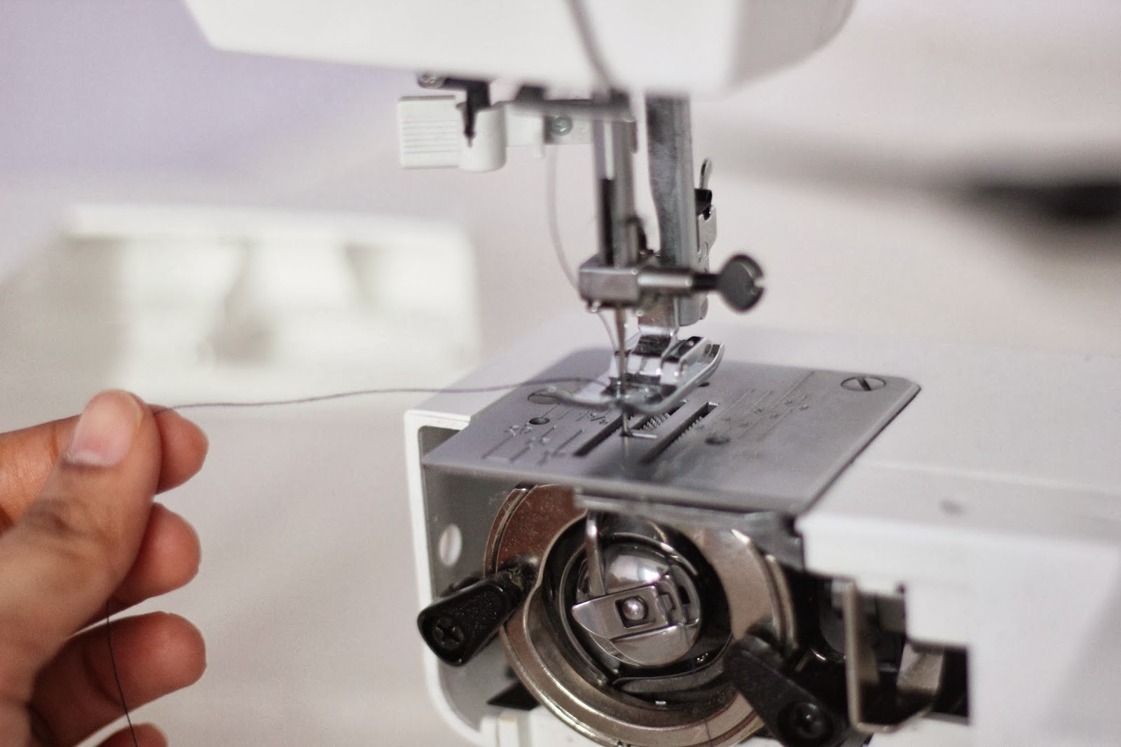 learn to use machine to stitch
