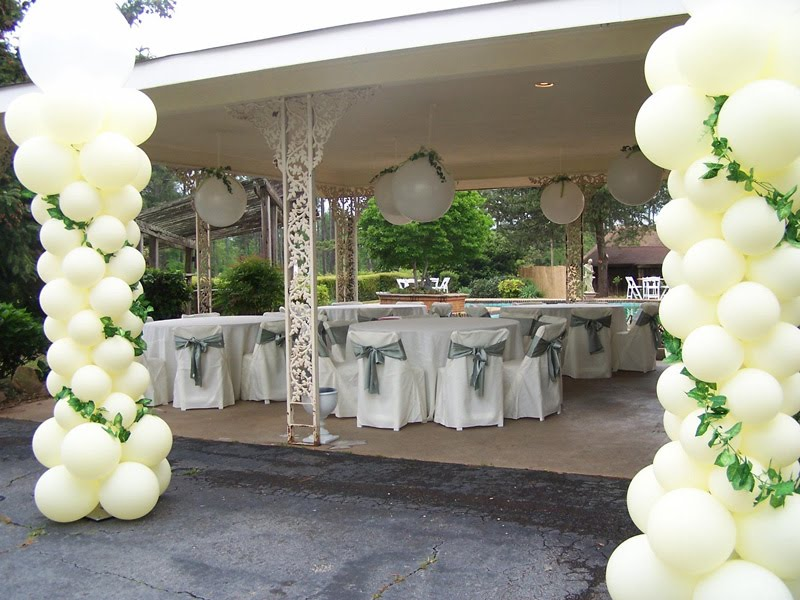 Disco xxyy in da city outdoor wedding decorations for Backyard wedding decoration ideas