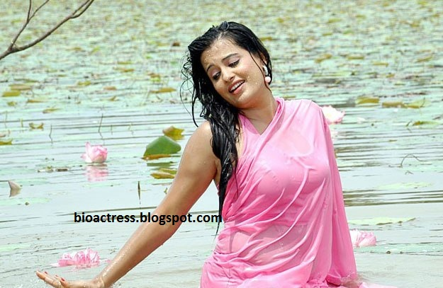 Rupa Hot Wet saree removing and showing navel and cleavage