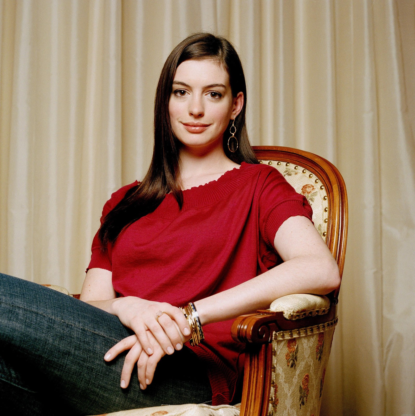 Anne Hathaway Hd Wallpapers High Definition Free