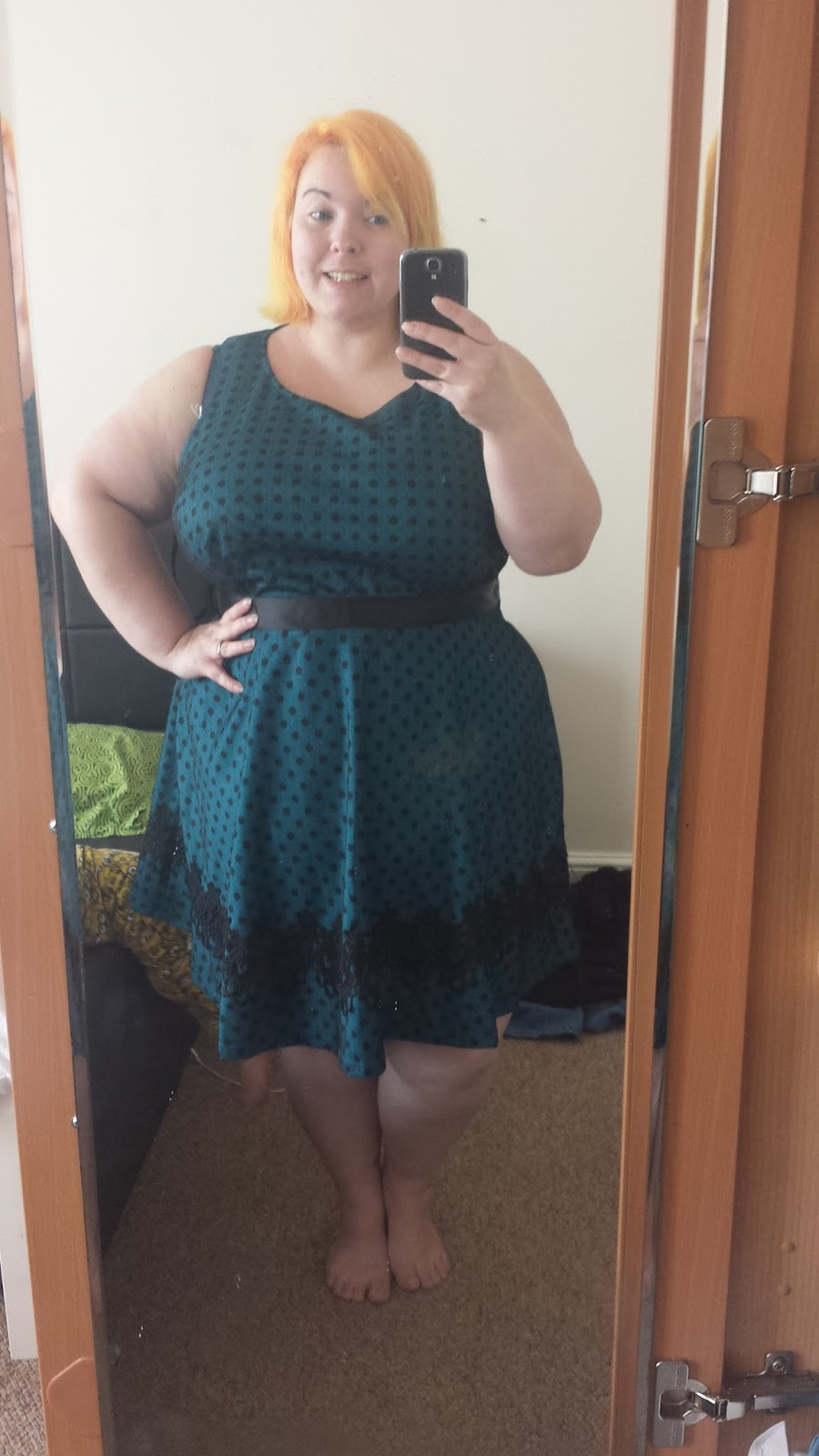 curvy cupcake, curvy, plus size, dresses, dress, modcloth, stylish surprise, thick, fat, chubby, chunky, bbw, fashion, fatshion, knees, legs, boobs, selfie, style, body, bodies, teal, green, polka dot, spot, lace