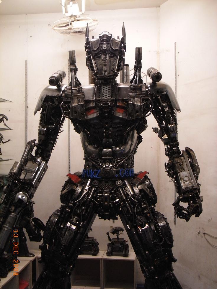 Las estatuas de Transformers más reales!