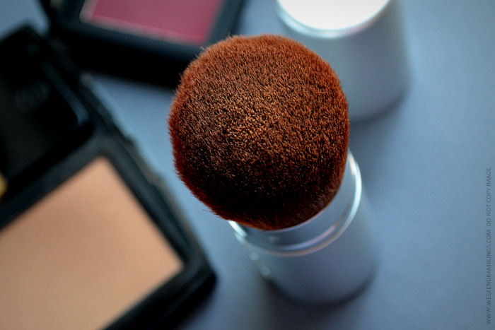 Makeup Tip for Quick Touch-ups on the Go - Powder - Retractable Kabuki Brush