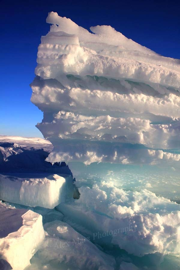 A close-up of the ice layers.