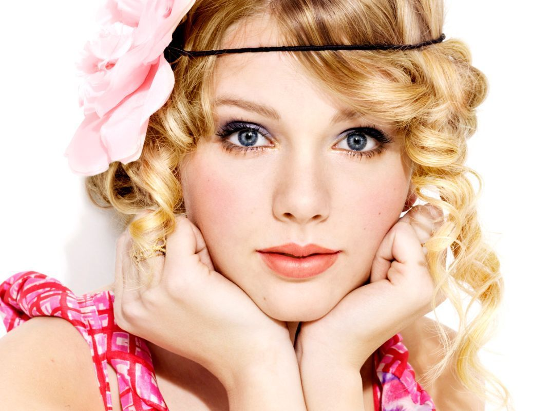 http://1.bp.blogspot.com/-F0STWFFQcIw/TxQnWve8-VI/AAAAAAAABEw/UFQYtZ5Rqsw/s1600/Taylor-Swift-Wallpapers.jpg