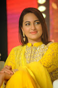 Sonakshi sinha at Lingaa event-thumbnail-10