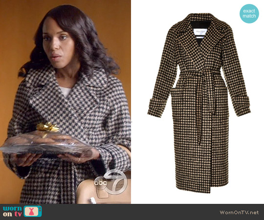 Olivia Pope's Holiday Dresses & Stylings
