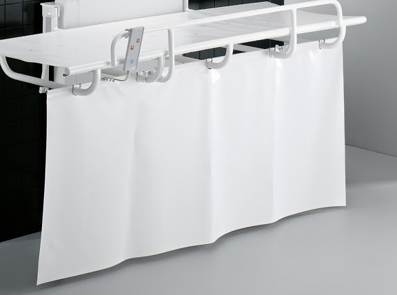 Splash curtain for nursing benches