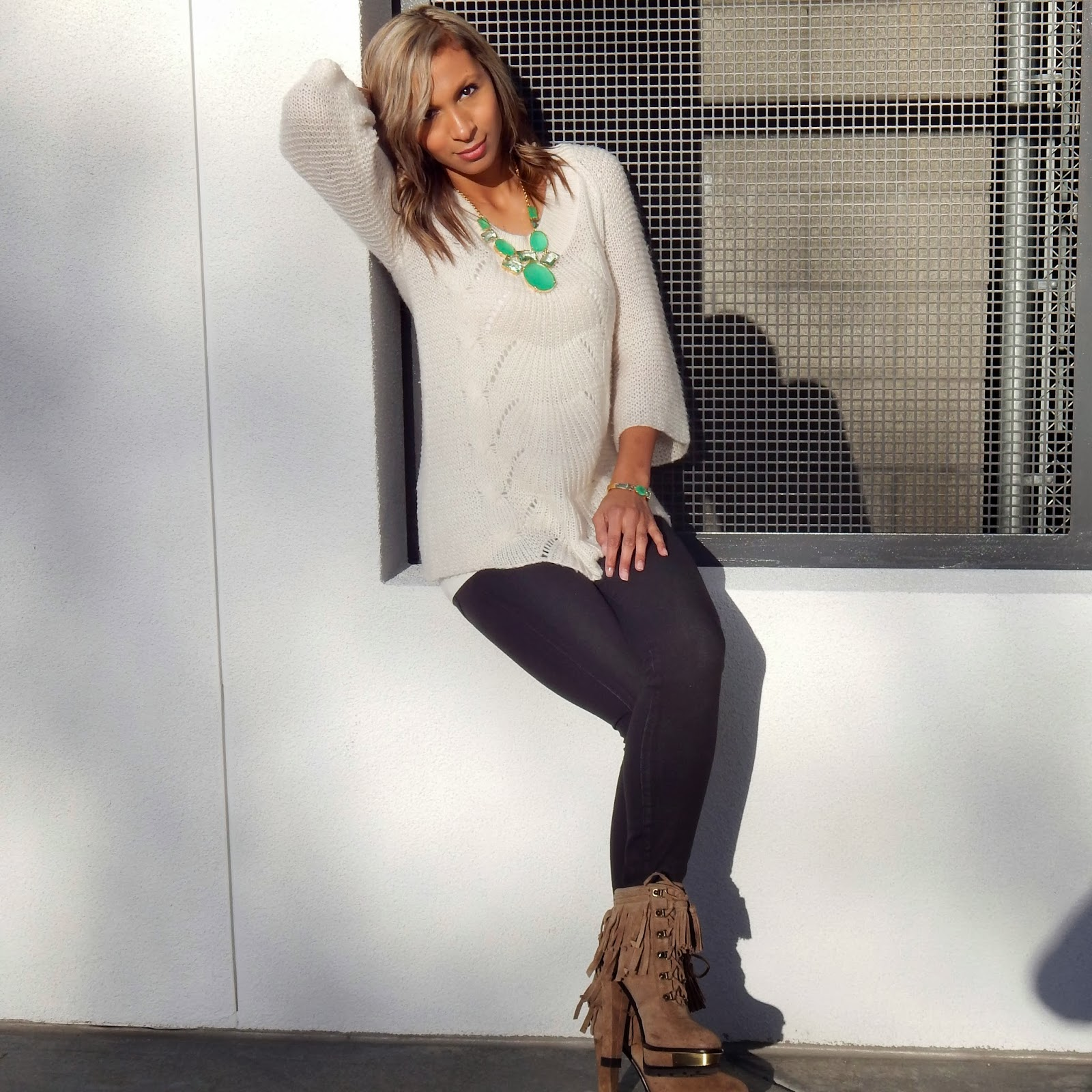 Green statement necklace, winter accessorizing, Black jeans, what to wear in northern California, san francisco style