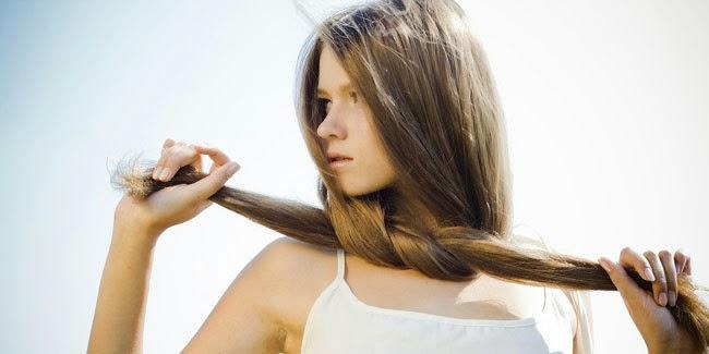 Cantik : Tips Cantik Merawat Rambut Panjang