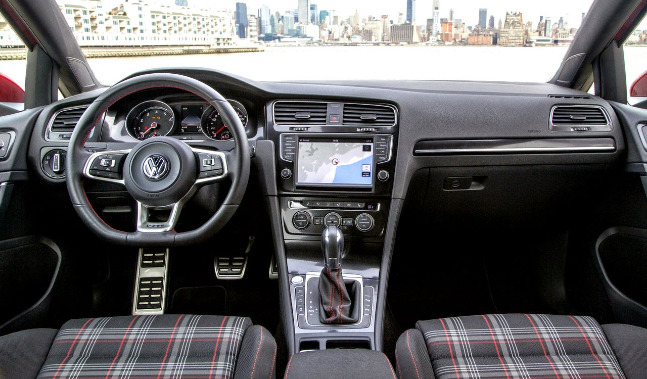 2015 Volkswagen Golf GTI Mk7 (US-Spec) interior