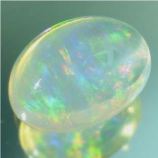 Kode : [LP332] Gemstone : Natural Opal Kalimaya Color : White