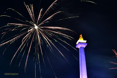 data exif foto kembang api tahun baru 2013