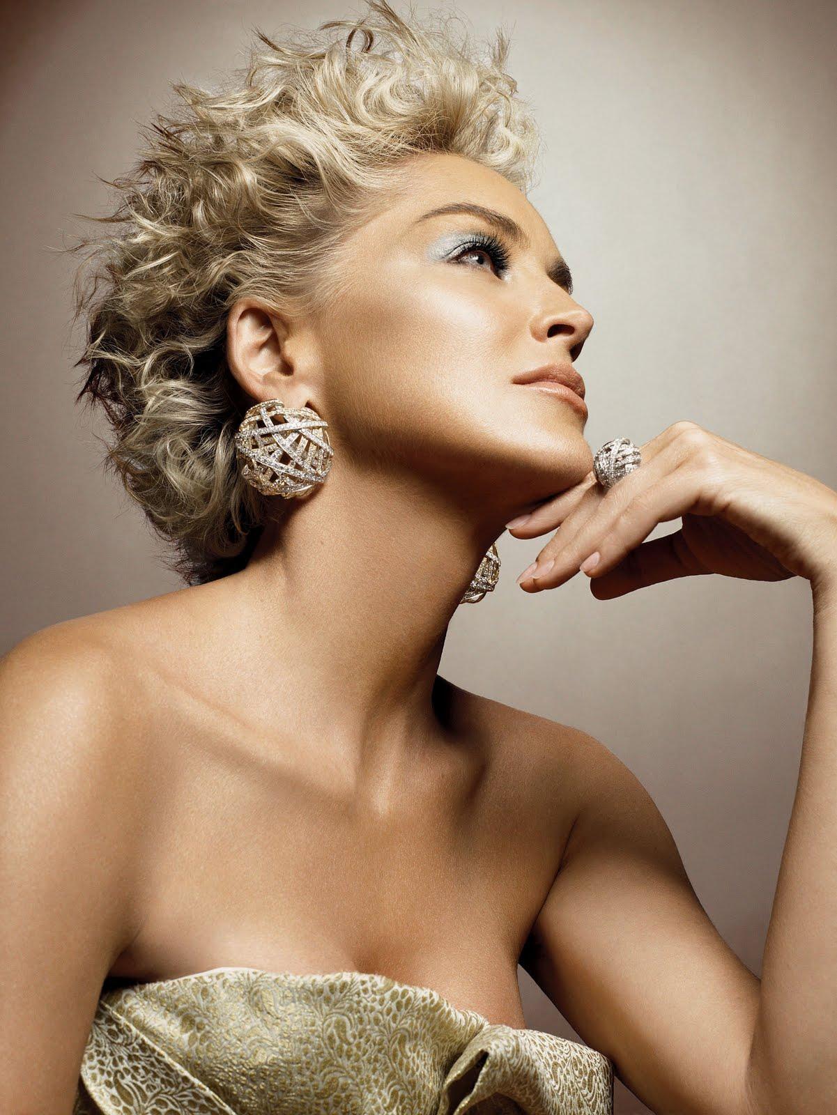 http://1.bp.blogspot.com/-F1OGpyyeuE4/ThQvSv8wCJI/AAAAAAAAASA/Mphowc7L4Ek/s1600/sharon-stone-damiani-diamond-jewelry.jpg