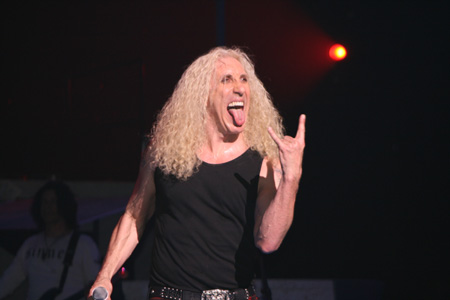 horns up rocks twisted sister 39 s dee snider forced to. Black Bedroom Furniture Sets. Home Design Ideas