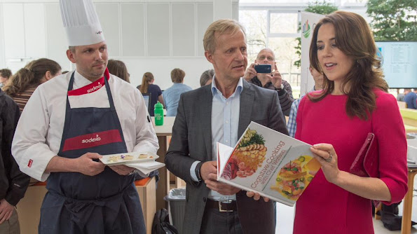 Crown Princess Mary of Denmark attends the official opening of the Festival of Research and presents the Research Communication Award 2015 at the Technical University of Denmark