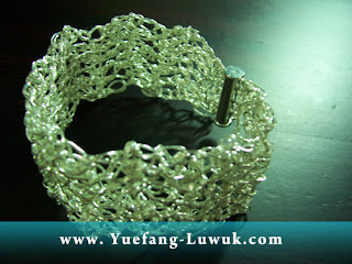 finished_wire_crochet_cuff_with_magnetic_slide_clasp