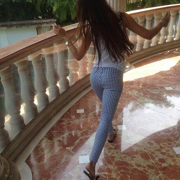 Malaika Arora Khan hot in tight pants
