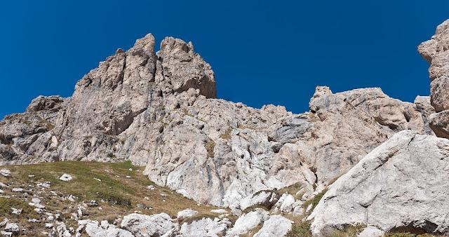 Le pareti e le guglie del Monte Infornace