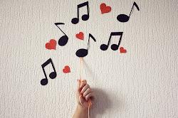La música puede llenar mi soledad.