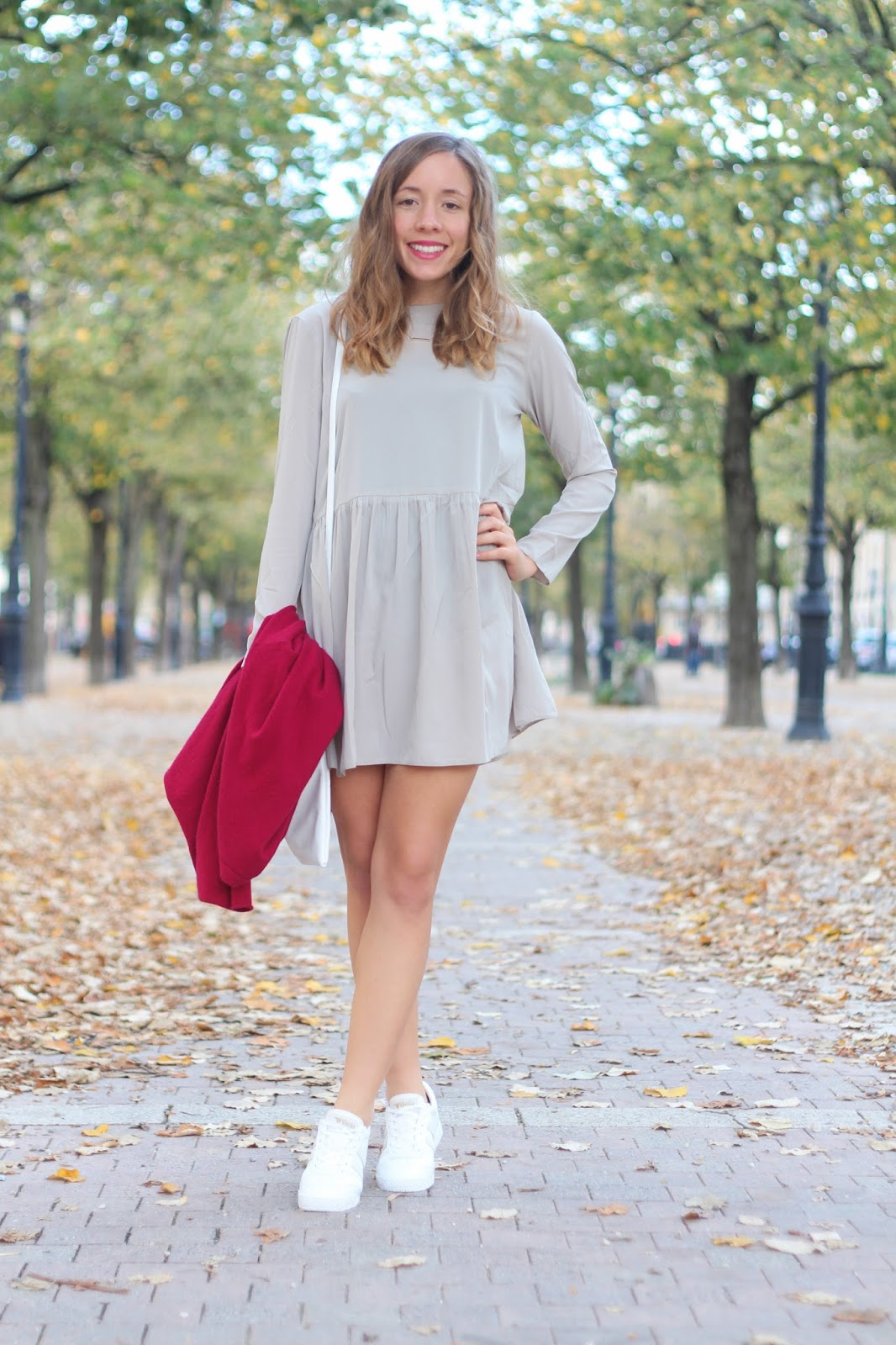 Robe grise manches longues