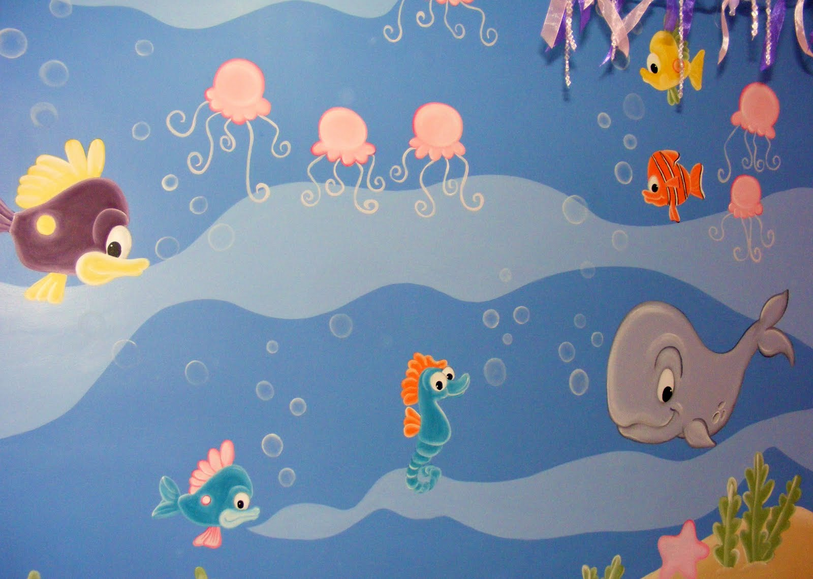 Murales infantiles acuario recamara de sofia for Murales infantiles nina